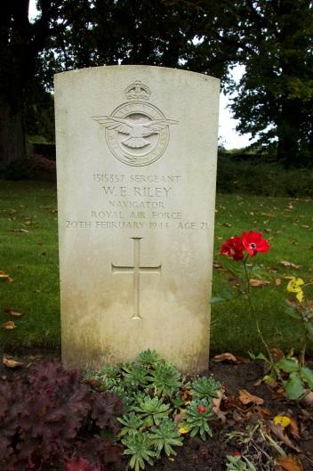 Landon - Riley grave at Hotton