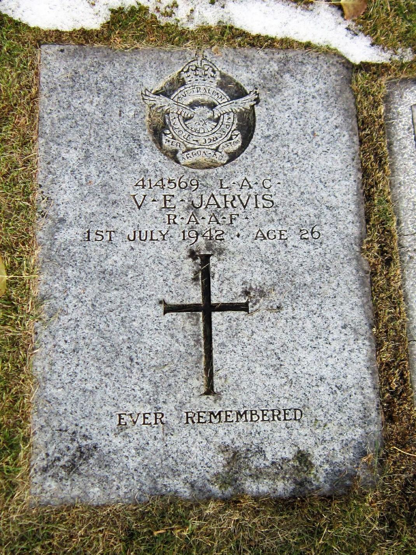 Graveside photos- Vincent E Jarvis_ images 3,4